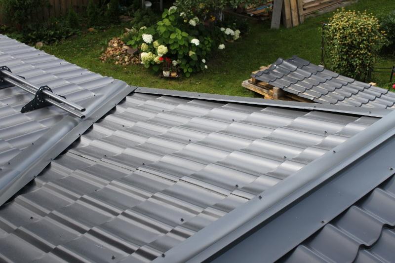 Metall roof 2.jpg